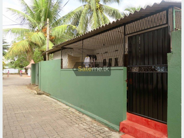 Houses - House for sale in Borella, Cotta Road  in Colombo 8