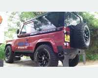 Cars - land rover defender  1987 in Kegalle